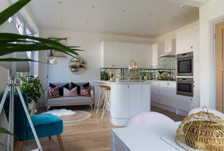 Valspar Paint features in Channel 4's Old House New Home
